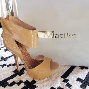 NEW in Box Matiko Shiloh Heels (size 7)